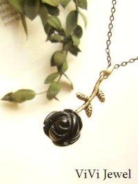 画像1: 黒バラの一粒ネックレス★オニキスのローズカット 天然石アクセサリー